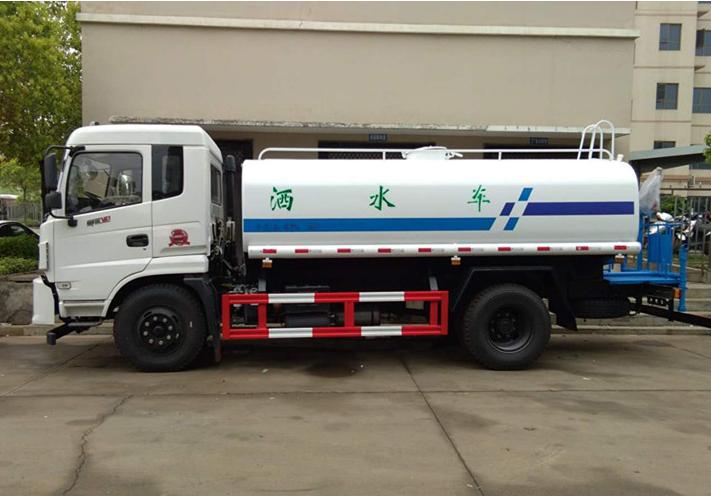 东风12-13吨御虎绿化喷洒车图片