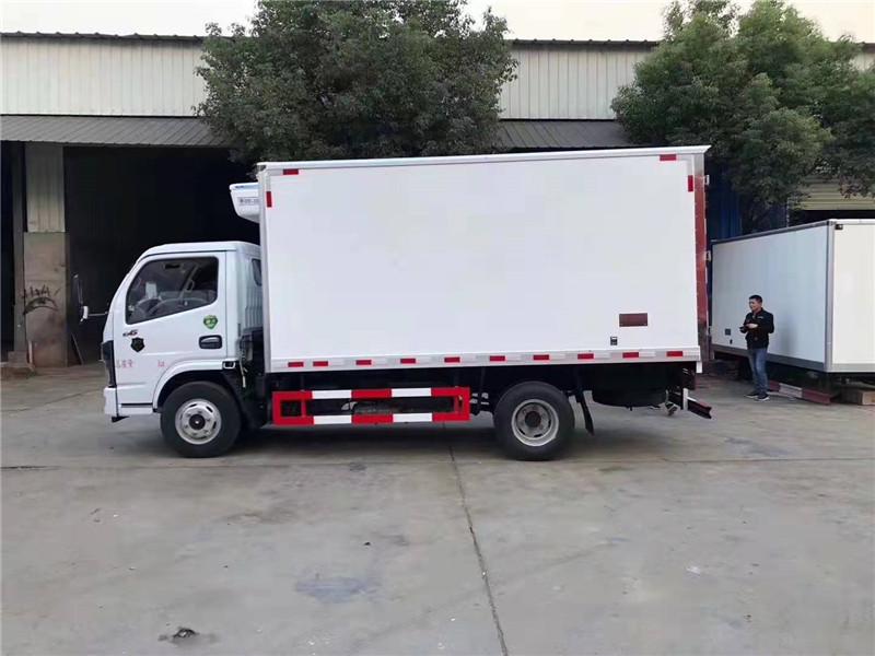 东风多利卡4.2米国六小型冷藏车图片